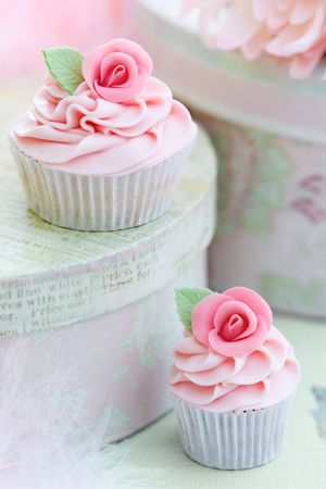 Rose cupcakes Stock Photo - 6406533