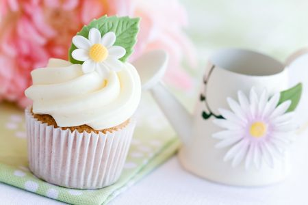 Daisy cupcake Stock Photo - 6570041