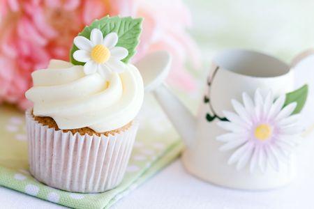 Daisy cupcake Stock Photo - 6570041