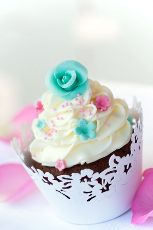 Wedding cupcake Stock Photo - 6604417