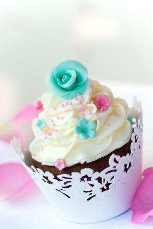 wrapper: Wedding cupcake