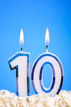 Kerzen für einen zehnten Geburtstag oder Jahrestag  Standard-Bild