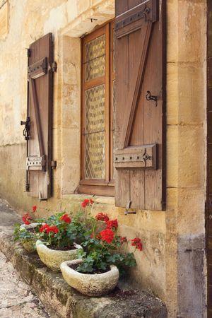 Kleurrijke mediterrane venster dozen  Stockfoto