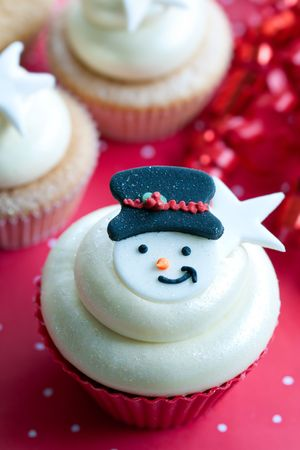 red cup: Christmas cupcake
