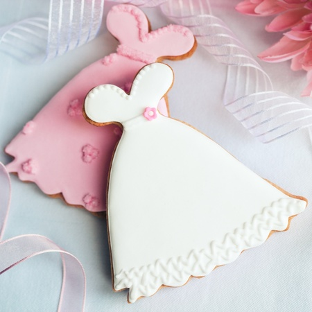 favours: Wedding dress cookies