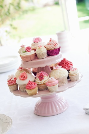 afternoon fancy cake: Cupcake stand