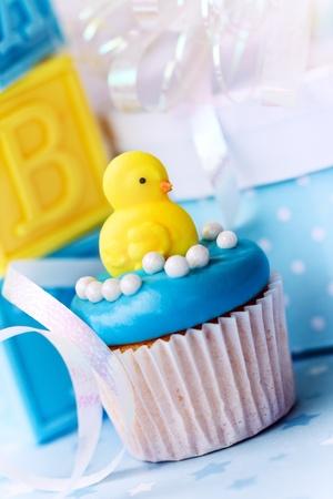 Cupcake para una ducha de beb� Foto de archivo