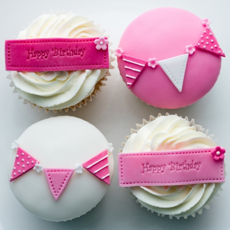 fairy cakes: Birthday cupcakes