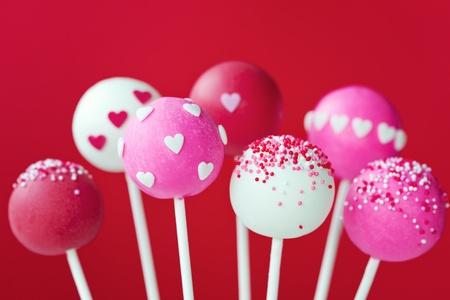 lollipops: Valentine cake pops