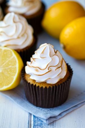 Lemon meringue cupcakes Stock Photo - 12350204