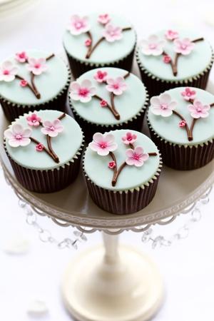 cupcake: Cerise petits g�teaux de fleur