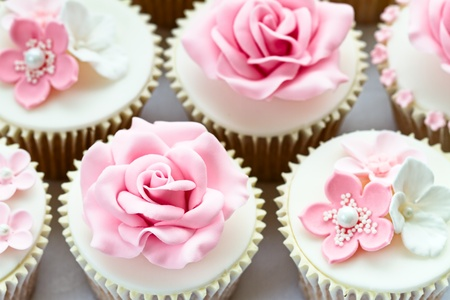 gum paste: Wedding cupcakes
