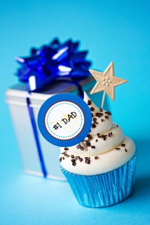 first day: Cupcake for fathers day Stock Photo