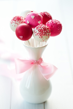 cake balls: Wedding cake pops