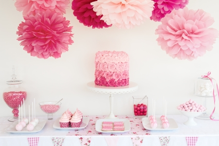 ombre cake: Dessert table