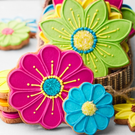 frosted: Flower cookies
