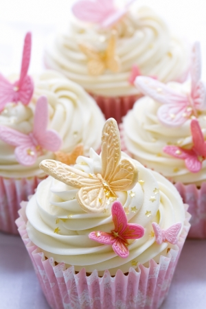 gumpaste: Wedding cupcakes