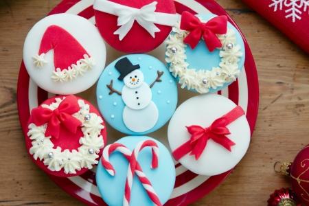 Christmas cupcakes Stock Photo - 15291356