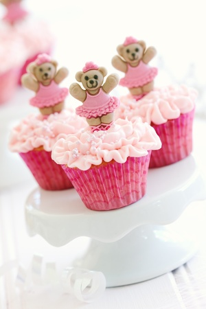 Cupcakes for a little girl Stock Photo - 15451290