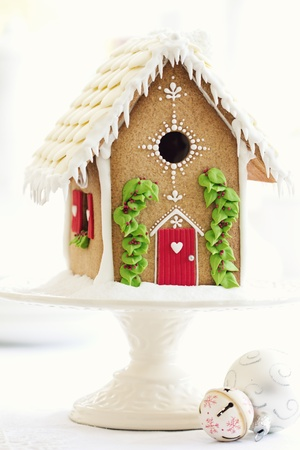 cakestand: Gingerbread house