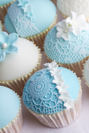 Wedding cupcakes Stock Photo - 18320601