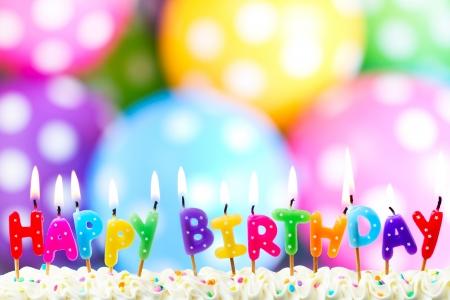 globos de cumpleaños: Velas de cumplea?os Foto de archivo