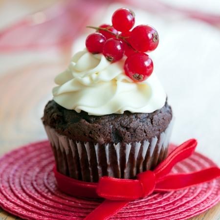 Red berry cupcake