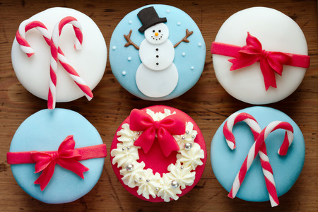 weihnachtskuchen: Cupcakes mit einem Thema Weihnachten