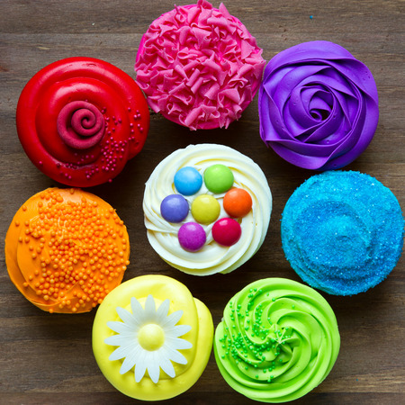 cupcakes: Colorful cupcakes in a circle
