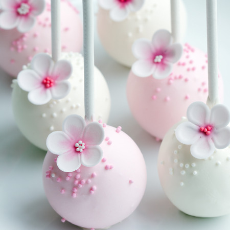 cake ball: Wedding cake pops in pink and white Stock Photo