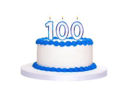 100 を読んでキャンドルで誕生日ケーキ 写真素材