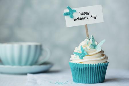 turquesa: Magdalena día de la madre, con copia espacio a lado Foto de archivo