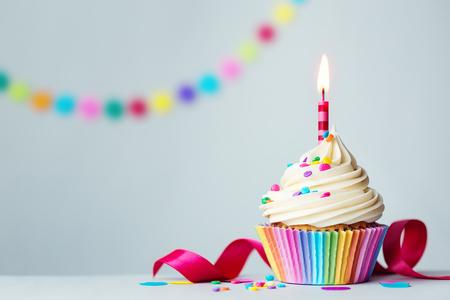 torta candeline: Birthday cupcake Archivio Fotografico