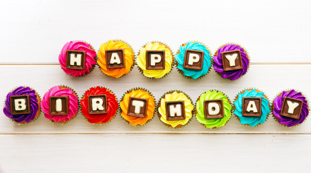 cake birthday: Cupcakes with a birthday greeting
