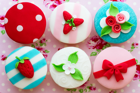 Cupcakes with a summer theme