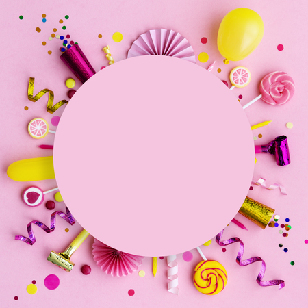 Pink birthday flat lay  with copyspace Banco de Imagens