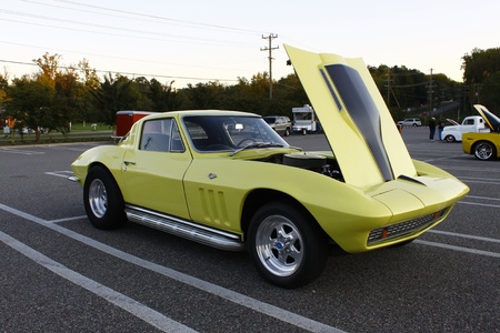 GLOUCESTER, VA, USA - OCTOBER 14: The Middle Peninsula Classic Cruisers Club weekly Car Show. Main Street Center. on October 14, 2011 in Gloucester, VA, USA Stock Photo - 12059894