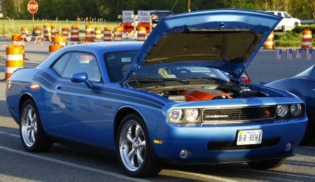 GLOUCESTER, VA- APR 13:A Blue Dodge Challenger at the 2nd Annual 2012 MPCC (middle penninsula car club) meeting at the Main St shopping center in Gloucester Virginia, 2012 in Gloucester Virginia on April 13, 2012.  新闻类图片