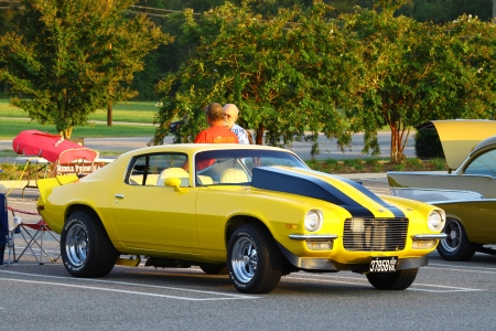 GLOUCESTER, VA, USA - September 9: Vintage 1973 split bumper Chevey Camaro on display in the Middle Peninsula Classic Cruisers Club weekly Car Show. Main Street Center. on September 9, 2011 in Gloucester, VA, USA 新闻类图片