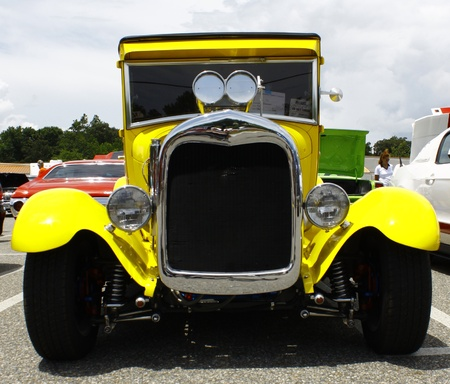 GLOUCESTER, VA- JULY 14:A blown 1929 Ford Truck at the Annual Blast from the past car show at the Main St shopping center in Gloucester, Virginia on July 14, 2012. 新闻类图片