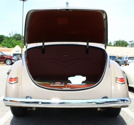GLOUCESTER, VA- MAY 25: Ford Delux trunk in the (middle peninsula car club) relay for life car show at the Main St shopping center in Gloucester, Virginia on May 25, 2013 新闻类图片