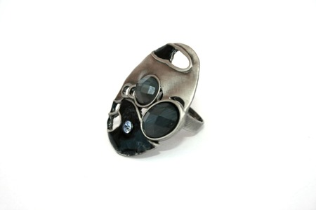 line lines luxury meeting: Silver ring with blue stones on the white.