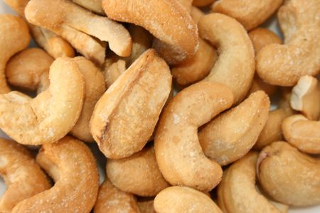pista: Excellent and tasty salted cashew nuts are nice snacks.