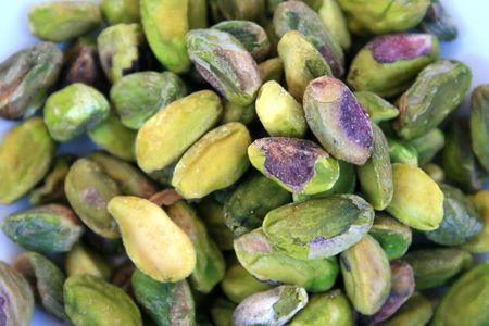 pista: Excellent and tasty unsalted pistachio nuts.Nice snack.