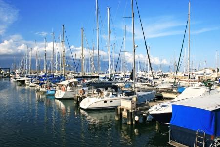 Yackts in Larnaca port, Cyprus. Standard-Bild