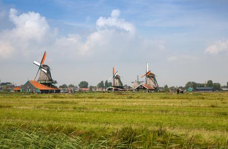 Zaanse Schans, Netherlands - Traditional, authentic dutch windmills at the river Zaam. Stockfoto