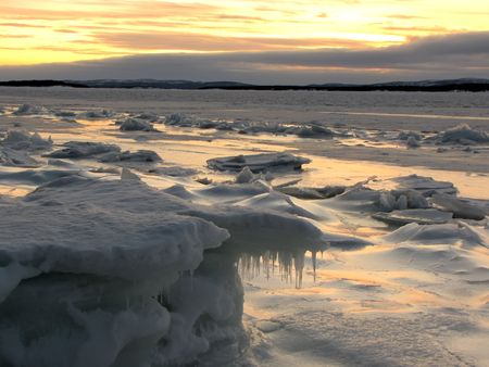 arctic zone: sunrise-sunset in the Arctic Circle in December, White sea                                Stock Photo