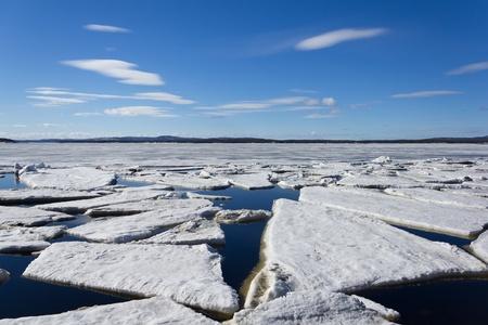 destroyed: Meereis wird im Fr�hjahr zerst�rt.