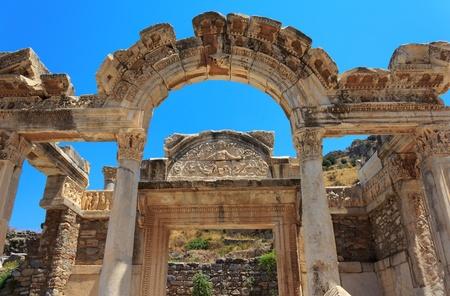hadrian: Templo de Adriano, �feso, Turqu�a Editorial