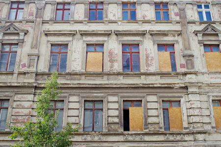 Front facade of an abandoned house in Goerlitz